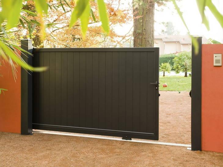 une cl ture de s curit pour son jardin indispensable. Black Bedroom Furniture Sets. Home Design Ideas