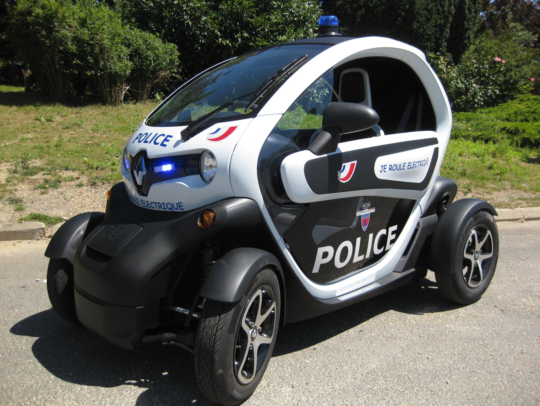 La police de paris roule en twizy cet t for Fenetre twizy