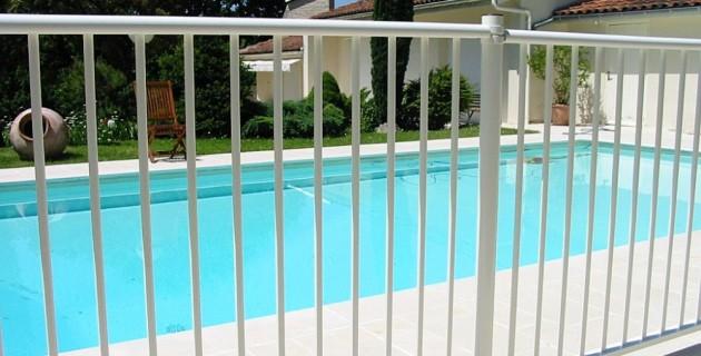 Cloture-de-piscine