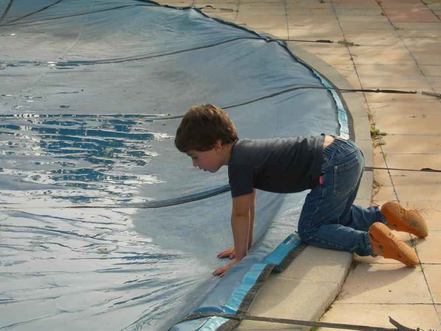 S curiser sa piscine avec une b che d 39 hivernage for Bache hivernage piscine