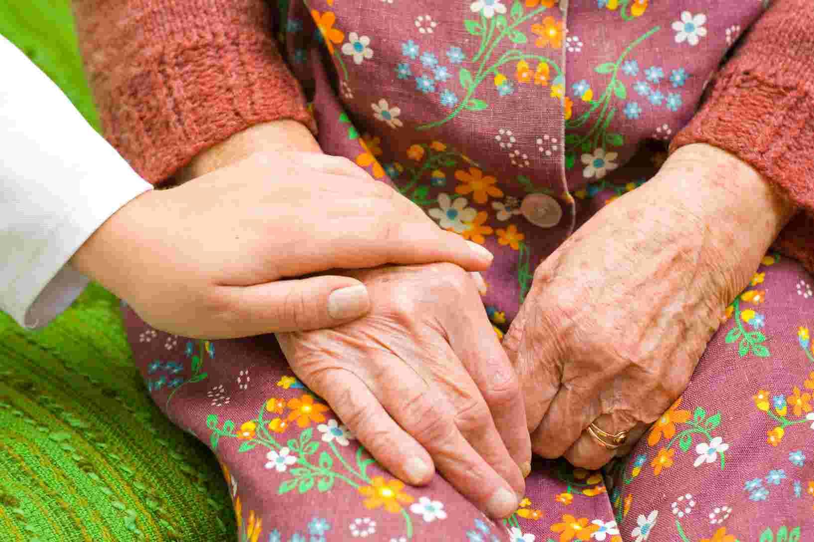 Protection des personnes âgées : comment éviter les risques