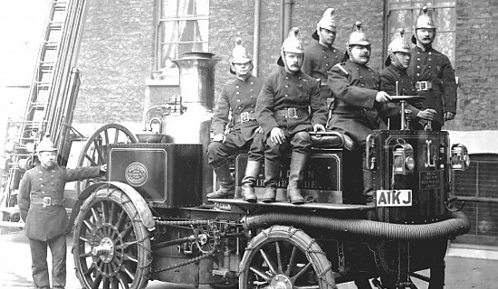 A steam pump engine and crew.