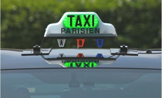 Nouveau_lumineux_taxi_vert_rouge