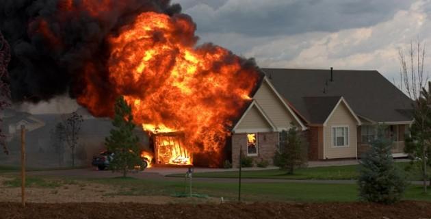 Incendies de maison un week end funeste pour la france for Alarme feu maison