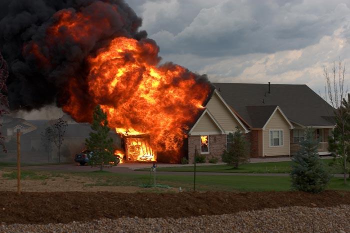 Incendies de maison un week end funeste pour la france for Assurance incendie maison