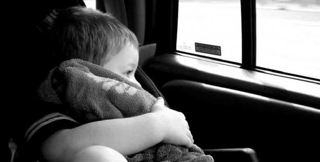 l'oubli d'enfant dans les voitures