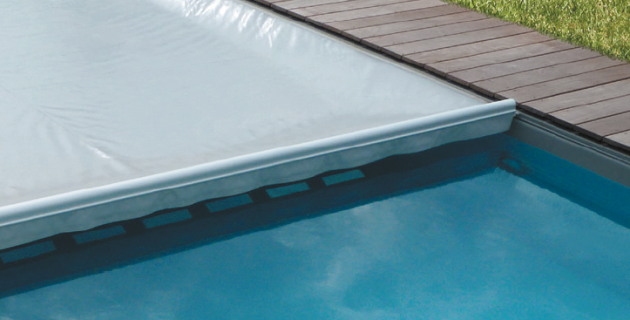La nouvelle couverture de s curit pour piscine ultima cover - Couverture securite piscine ...