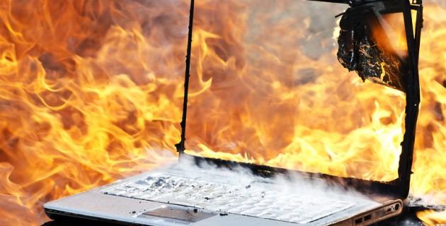ordinateur_en_feu
