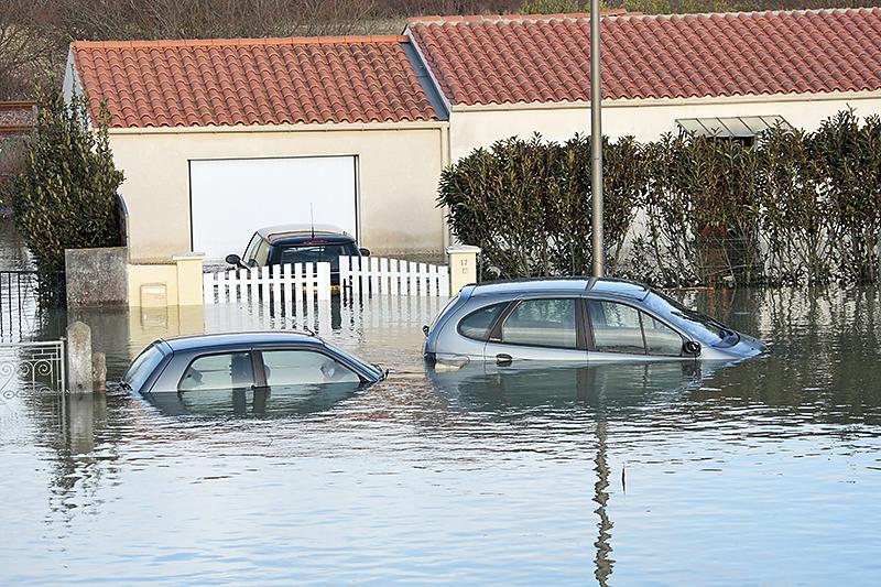 inondations et d g ts des eaux comment pr parer sa maison. Black Bedroom Furniture Sets. Home Design Ideas