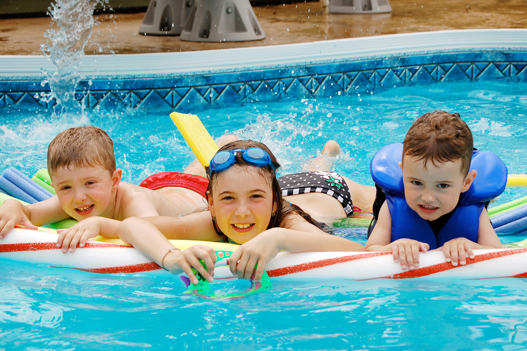 S curit de la piscine comment prot ger famille et enfant for Protection enfant piscine